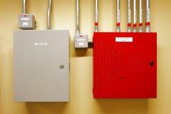 Elektriska säkerhetsbrytare för strömbrytarekugghjul och strömkrets Arkivfoton