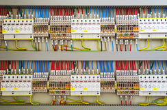Elektriska terminaler och trådar Arkivbild