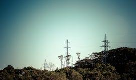 Elektriska torn. royaltyfri foto