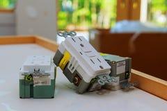 elektriska uttag och räkningar Arkivfoton