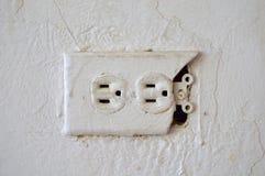 elektriskt gammalt uttag Arkivbilder