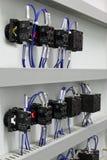 elektriskt ledningsnät Arkivbild