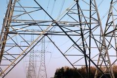 Elektrizitätsgondelstiel Stockfotos