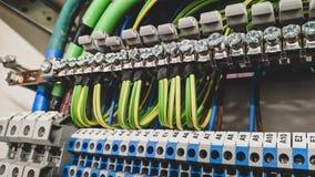 Elektro bedradingsterminals in hoogspanning royalty-vrije stock afbeelding