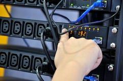 Elektro en netwerkapparatuurcontrole Stock Foto's