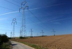 Elektro machtslijnen Stock Foto's