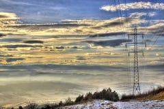 Elektro Pool bij Zonsondergang met Bergketen Stock Afbeelding