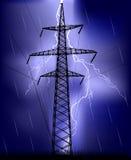 Elektro pyloon onder bliksem Royalty-vrije Stock Foto's