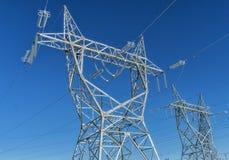 Elektro toren & draden royalty-vrije stock foto