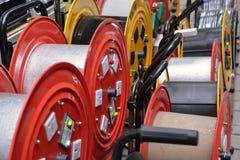 Elektrogeräte mit roter und gelber Diskette Stockbild