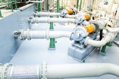 Elektromotoren, die Wasserpumpen antreiben Stockbild