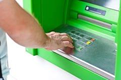 Elektroniczna bankowość, ATM Zdjęcia Royalty Free