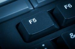 Elektroniczna kolekcja - szczegółu komputer Ostrość na F5 kluczu  Zdjęcia Stock
