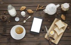 Elektroniczna pastylka na stole Zdjęcia Royalty Free