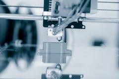 Elektroniczna trójwymiarowa plastikowa drukarka podczas pracy, 3D druk Obraz Stock