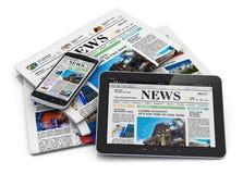 Elektroniczny i papierowy medialny pojęcie Obraz Royalty Free