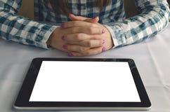 Elektroniczny menu szablon Z pustym ekranem pastylka komputer Studenckiej dziewczyny czytelniczy ebook Zdjęcie Stock