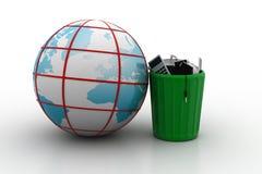 Elektroniczny odpady z kulą ziemską Obrazy Royalty Free
