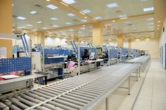 Elektronik-Fabrikarbeitsplatz lizenzfreie stockfotos