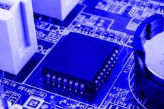 Elektronika składniki na nowożytnego peceta komputerowej płycie głównej z RAM włącznika szczeliną i jednostki centralnej nasadką Obraz Royalty Free