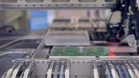 Elektronikacontract productie PCB-de productieproces van de kringsspaander 4K stock footage