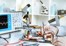 Elektronikreparaturservice Stockfotos