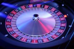 Elektronisch automatisch roulettewiel met bal Stock Afbeeldingen