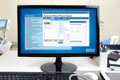 Elektronisch medisch dossier in het ziekenhuis Stock Fotografie