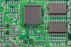 Elektronische component op elektrokring stock afbeeldingen