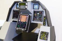 Elektronische controles van de vliegtuigen op de tribune stock foto