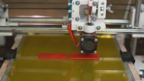 Elektronische driedimensionele plastic printer stock footage