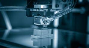 Elektronische driedimensionele plastic printer tijdens het werk, 3D, druk Royalty-vrije Stock Foto's