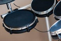 Elektronische drumstelclose-up binnen Stock Foto