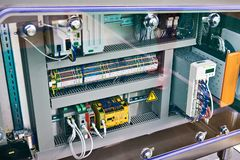 Elektronische en elektrocomponenten van industrieel apparaat royalty-vrije stock afbeelding