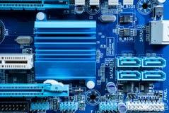 Elektronische kringen in futuristisch technologieconcept royalty-vrije stock afbeelding