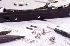 Elektronische Schaltung und Werkzeuge lizenzfreies stockbild