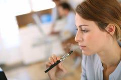 Elektronische sigaret Stock Foto