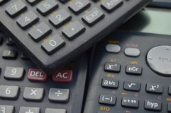 elektronische wetenschappelijke calculatorsachtergronden Stock Foto's