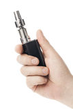 Elektronische Zigarette in der männlichen Hand lokalisiert auf Weiß Stockfotografie