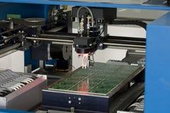 Elektronisches Bauelement der Produktion Lizenzfreies Stockfoto