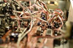 Elektronisches Brett mit Chips stockbilder