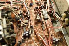 Elektronisches Brett mit Chips lizenzfreie stockbilder