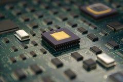 Elektronisches Brett mit CPU-Prozessor und elektronisches Chips technol Lizenzfreies Stockbild
