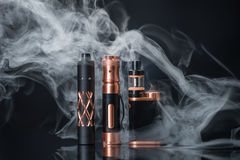 elektronisk cigarett royaltyfri bild