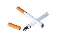 elektronisk cigarett e Fotografering för Bildbyråer