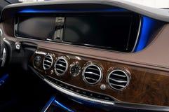 elektronisk navigering för bilkonsolinstrumentbräda Royaltyfria Bilder