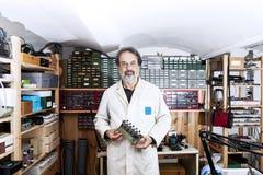 Elektronisk tekniker Fotografering för Bildbyråer