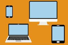 Elektroniska apparater från telefonen till minnestavlan till den skrivbords- datoren Arkivfoto