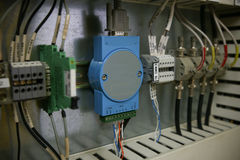 Elektroniska delar i kontrollsystem Strömkretsen av kontrollsystemet i kontrollask Arkivbild