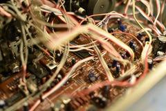 Elektroniskt bräde med chiper Arkivbilder